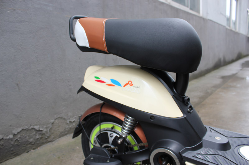 4-SY-BDX_Details_comfortable saddle