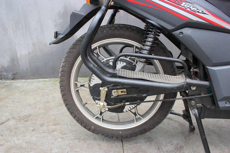 SY-DHY_Details_Kenda 2.75-17 rear tyre