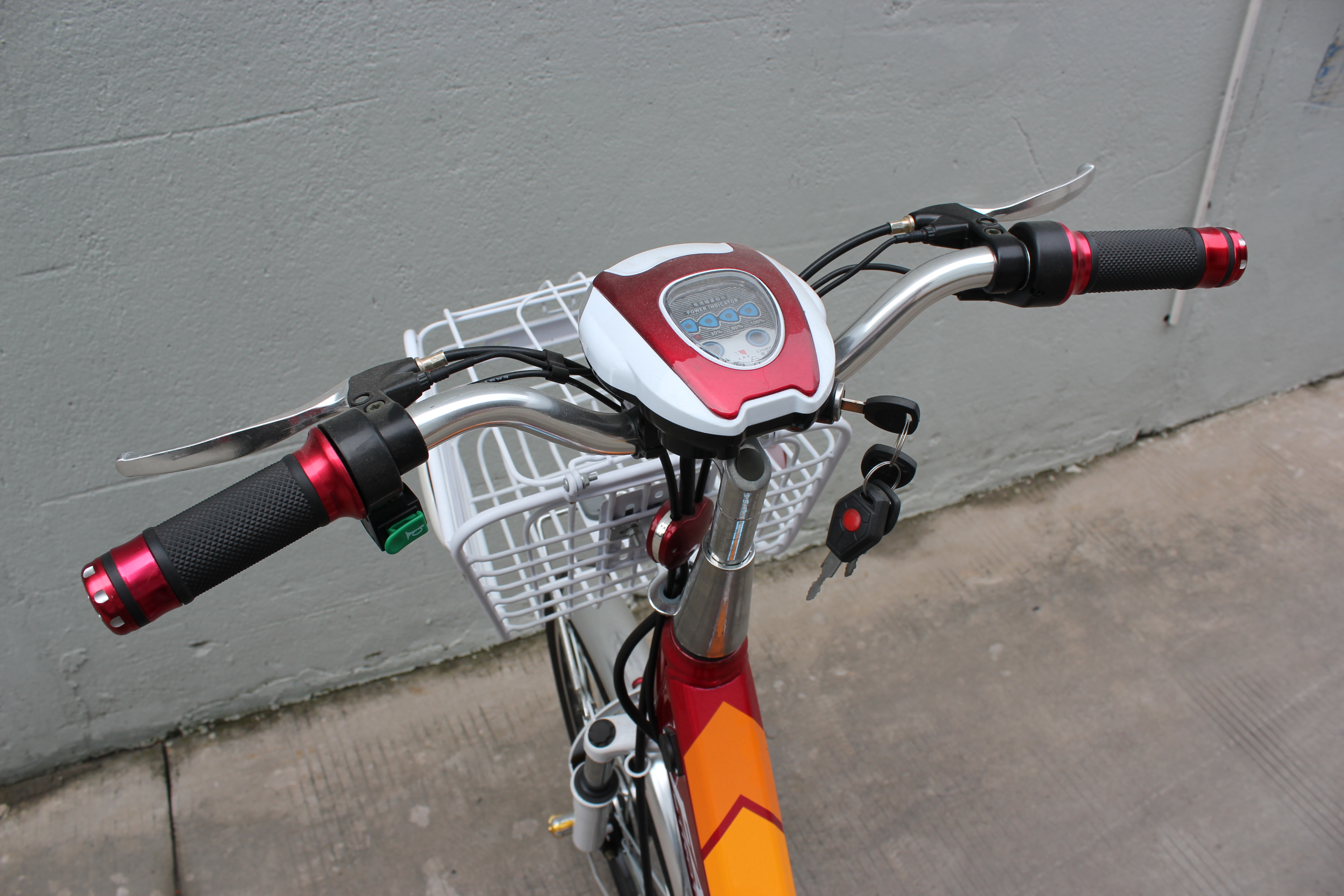 SY-LT_Details_handlebar with speedometer